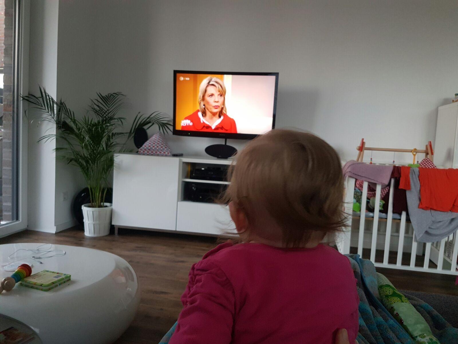 Leni, 6 Monate verfolgt meinen Live Auftritt im ZDF ……………..